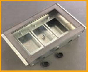 Flush recessed floor box